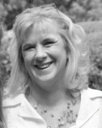 Cheryl Gaynor is a physiotherapist and a breast cancer survivor. She has studied, researched and treated AWS for the past 10 years and assists patients to return to full pain free function again, both physically and mentally.